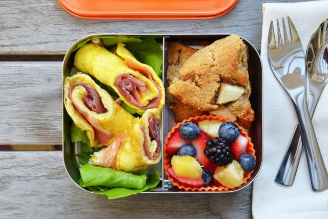 Foto: https://ro.pinterest.com/lunchbots/paleo-school-lunches/